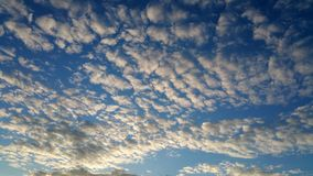 Märchenweißwolken Lizenzfreie Stockbilder
