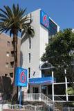Märke för motell 6 fotografering för bildbyråer