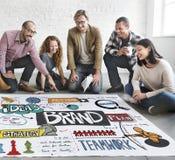 Märke som brännmärker strategi som marknadsför idérikt begrepp royaltyfria foton