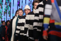 Märke som Catwalk i Mercedes-Benz Fashion Week Istanbul Royaltyfria Bilder