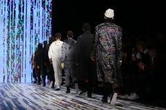 Märke som Catwalk i Mercedes-Benz Fashion Week Istanbul Royaltyfri Foto