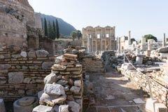 März 2016: Alte römische Bibliothek in Ephesus, die Türkei Lizenzfreie Stockbilder