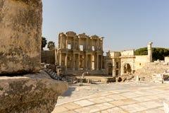 März 2016: Alte römische Bibliothek in Ephesus, die Türkei Lizenzfreies Stockfoto