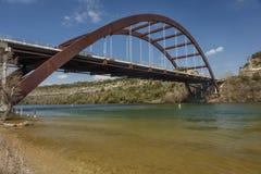 2. März 2018 Brücke Pennybacker 360, Austin, MoveOutdoorsPhotographyPole, RoadFamous lizenzfreie stockfotos