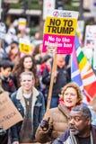 März gegen Trumpfpolitik Stockfotos