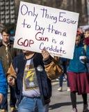 24. MÄRZ 2018: Washington, D C Hunderte von den Tausenden protestieren gegen NRA auf Pennsylvania-Allee Parkland, Schule lizenzfreies stockfoto