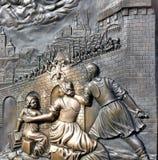 Mässingslättnad av St John Nepomuk Royaltyfri Foto