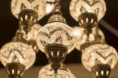 Mässingsljuskrona med kristallen Fotografering för Bildbyråer