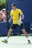 Mästare Bob Bryan för den storslagna slamen under första rundadubbletter matchar på US Open 2013 Royaltyfri Foto