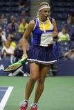 Mästare Jelena Ostapenko för storslagen Slam av Lettland i handling under hennes runda match för US Open 2017 först Arkivfoton