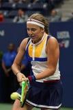 Mästare Jelena Ostapenko för storslagen Slam av Lettland i handling under hennes runda match för US Open 2017 först Arkivfoto