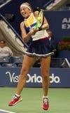 Mästare Jelena Ostapenko för storslagen Slam av Lettland i handling under hennes runda match för US Open 2017 först Arkivbild