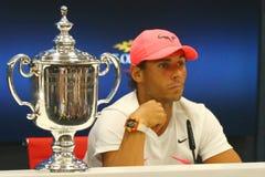 Mästare Rafael Nadal för US Open 2017 av Spanien under presskonferens efter hans finalmatchseger mot Kevin Andersen Royaltyfria Bilder