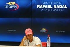 Mästare Rafael Nadal för US Open 2017 av Spanien under presskonferens efter hans finalmatchseger mot Kevin Andersen Royaltyfria Foton