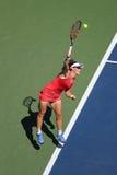 Mästare Samantha Stosur för storslagen Slam av Australien i handling under hennes runda match fyra på US Open 2015 Fotografering för Bildbyråer