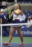 Mästaren Jelena Ostapenko för den storslagna slamen av Lettland firar seger efter hennes runda match för US Open 2017 först Royaltyfri Fotografi