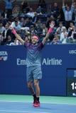 Mästaren Juan Martin Del Porto för den storslagna slamen av Argentina firar seger efter hans US Openkvartsfinalmatch 2017 Royaltyfri Fotografi
