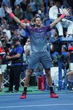Mästaren Juan Martin Del Porto för den storslagna slamen av Argentina firar seger efter hans US Openkvartsfinalmatch 2017 Royaltyfria Foton
