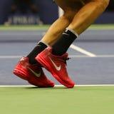 Mästaren Juan Martin del Potro för den storslagna slamen av Argentina bär beställnings- Nike tennisskor under match för US Open 2 Royaltyfri Bild