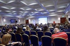 Mästarklasser i masskommunikationer under 4th St Petersburg internationella kulturella forum Arkivfoto