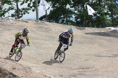 MÄSTERSKAP 2014 för BMX THAILAND - Juni 15, oidentifierade cyklister royaltyfria foton