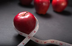 mätande pappersexercis för äpple Royaltyfria Bilder