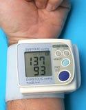 mätande tryck för blod Arkivfoto