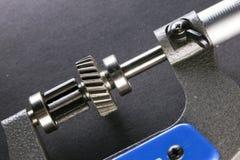 Mätningsparametrar av kugghjul, detaljer vid digital mikrometer Royaltyfri Bild