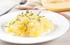 Mål för sida för spagettisquash lagat mat royaltyfri bild