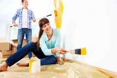 Måla det nya hemmet fotografering för bildbyråer
