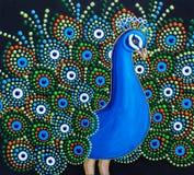 Måla en påfågel med ljusa färger för en fluffig svans stock illustrationer