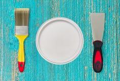 Måla hjälpmedel för hem- renovering idérikt foto Arkivbilder