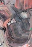 Måla med akrylmålarfärger arkivbild