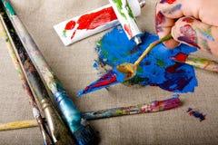 måla rör Arkivbilder