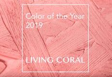 Måla textur på pappers- bosatt korall Färg av året 2019 arkivbild