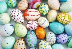 målad easter ägghand Arkivbilder