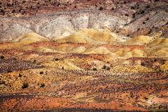 Målad sand för sandsten för orange gräs för öknen vit välva sig medborgaren Royaltyfria Foton