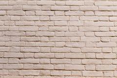 Målad vit tegelstenvägg royaltyfria foton