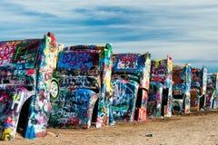 Målade Cadillacs i öknen Arkivbild
