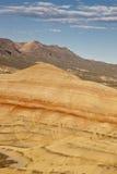 målade kullar Arkivfoton