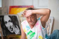 Målare och hans konst Arkivfoto