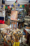 Målarfärgborstar - sikter runt om Curacao den karibiska ön Arkivfoto