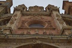Målat glass av den huvudsakliga fasaden av domkyrkan i Astorga Arkitektur historia, Camino De Santiago, lopp, gata arkivbild