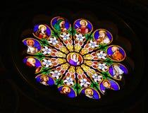 Målat glass i Basilica av St. Peter, Vatican Arkivbilder