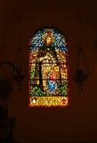Målat glass i Basilica av St Peter, Vatican, Rome Royaltyfri Bild