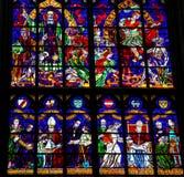Målat glass i Votivkirche i Wien, Österrike Arkivfoto