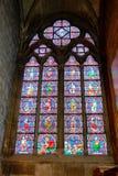 Målat glass Windows i Notre Dame Royaltyfri Bild