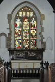 Målat glassfönster & altare Royaltyfri Bild