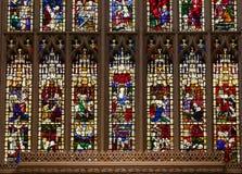 Målat glassfönster av badabbotskloster på badet Somerset South West E fotografering för bildbyråer