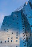 Målat glassfönster av byggnaden Arkivbilder